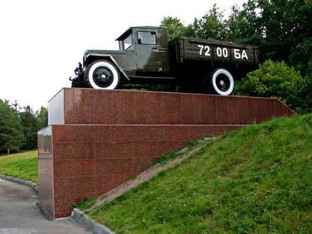 Памятник воинам-водителям в Брянске