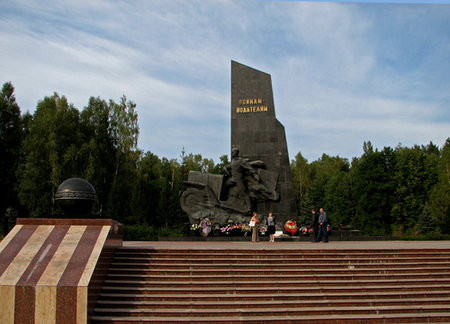 Памятник водителям, погибшим на войне