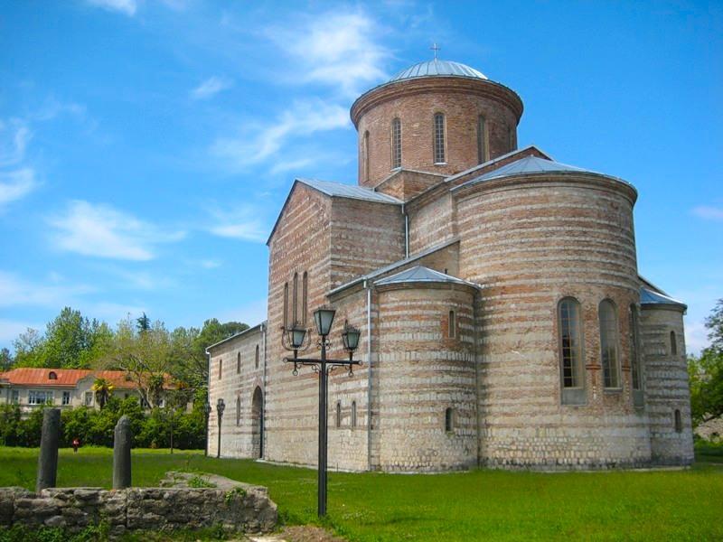 Фото Пицундского храма
