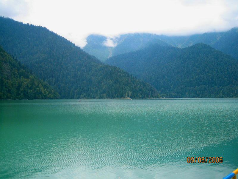 Озеро Рица - фото
