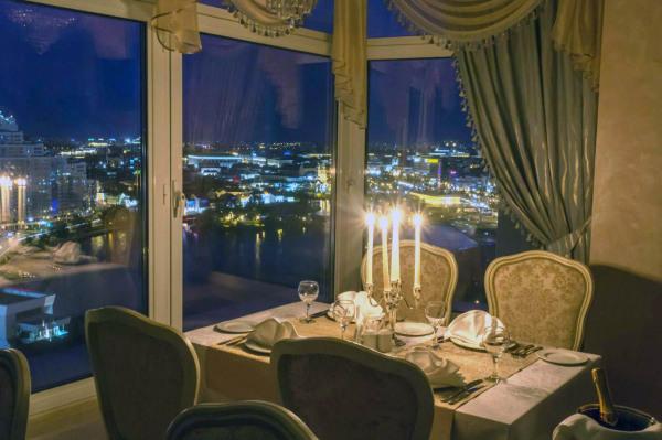 В ресторане Панорама в Минске